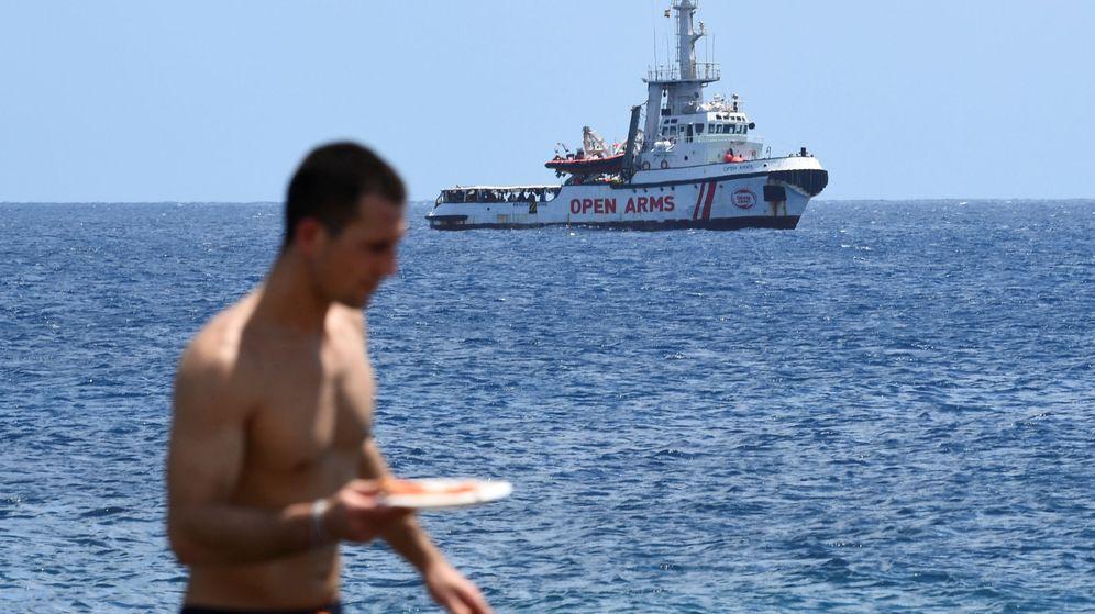 Foto: El Open Arms se acerca a Lampedusa. (Reuters)
