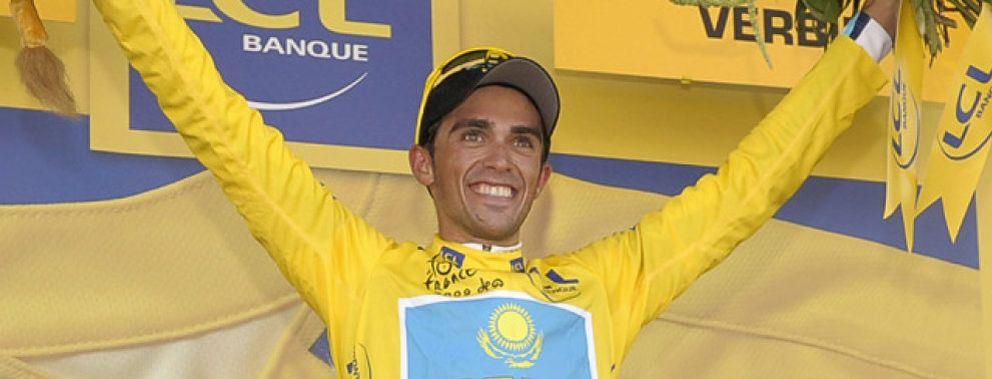 Foto: Lance Armstrong se rinde ante Alberto Contador