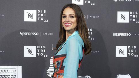 Eva González vuelve a arrasar en Santorini con un vestido de 20 euros 'made in Spain'