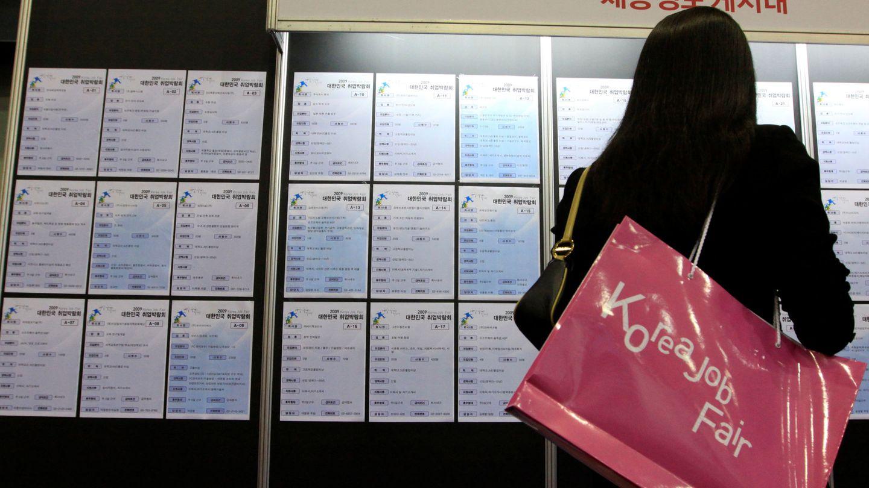 Buscar trabajo es una de las mayores preocupaciones en todo el mundo (Reuters/Lee Jae-Won)