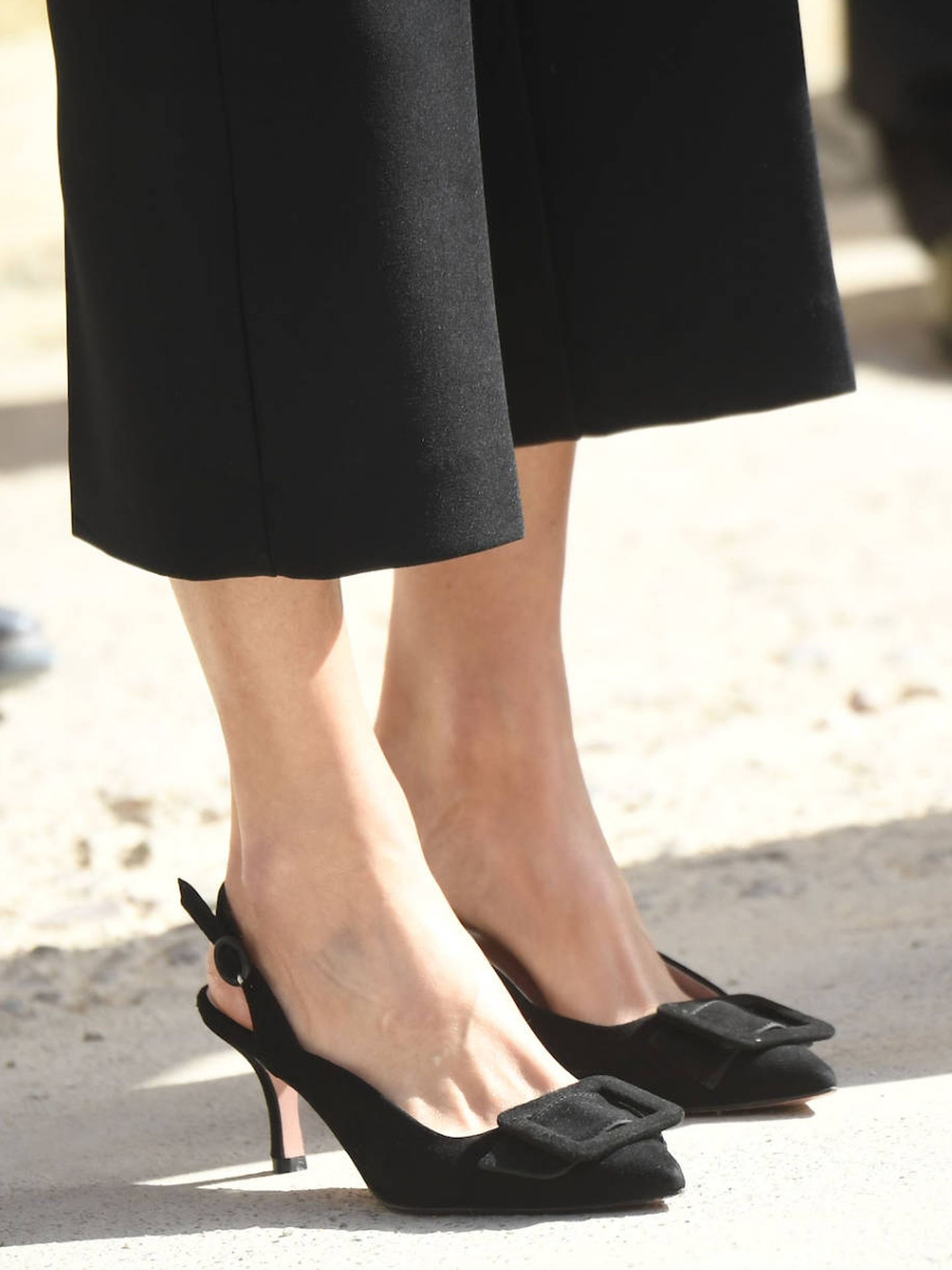 Los zapatos nuevos de Letizia. (LP)