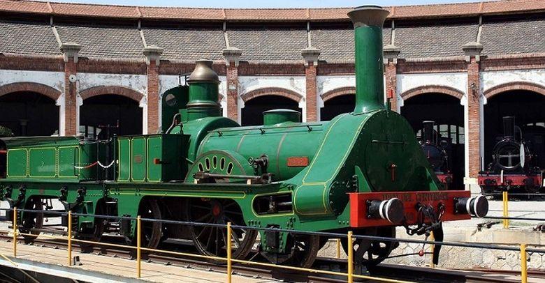 Foto: Réplica de la locomotora de 1848, construida 100 años después.