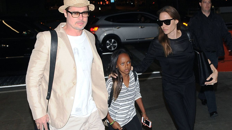 Foto: Brad Pitt y Angelina Jolie con su hija Zahara (Gtres)