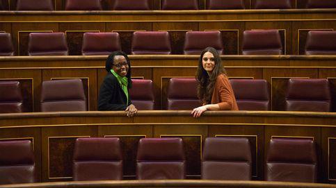 Diputadas de Podemos: Hay quien nos mira como si fuéramos intrusos