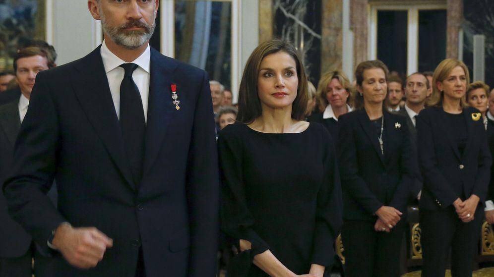 Foto: Los reyes, en un funeral. (EFE)