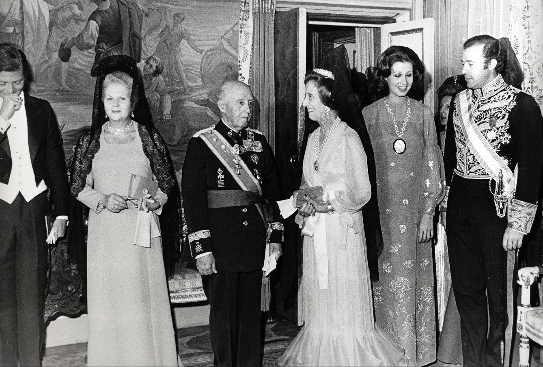Franco en im genes el hombre y su familia tras los actos oficiales fotogaler as de noticias - Casa de franco torrelodones ...