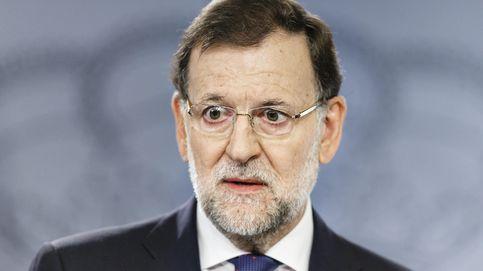 Mariano Rajoy, orgulloso (e incrédulo) de los piropos de una vecina de Tomares