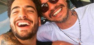 Post de Marc Anthony le da un besito a Maluma, y la lía