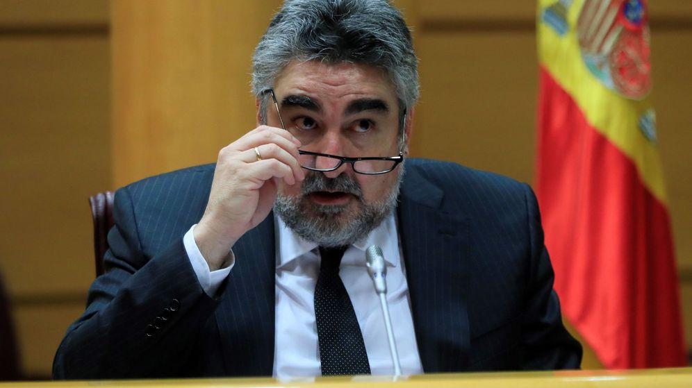 Foto: José Manuel Rodríguez Uribes, ministro de cultura, en el senado (Efe)