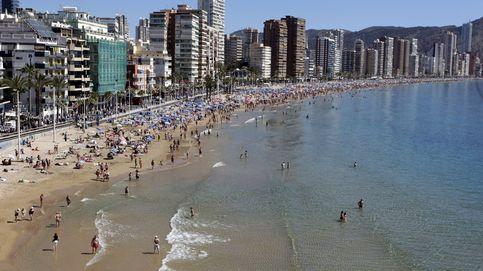 La recuperación irrumpe en la costa y revive el sueño de tener casa en la playa