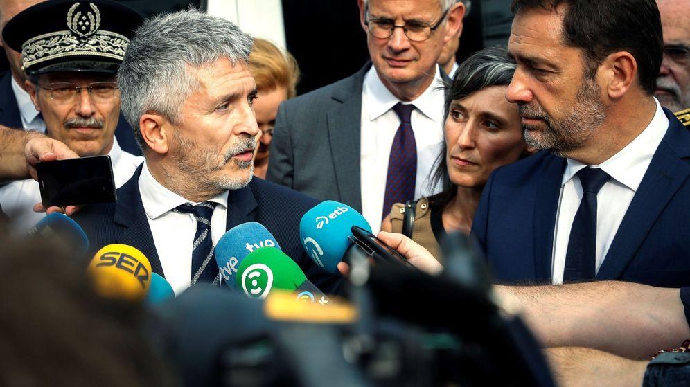 Foto: El ministro del Interior, Fernando Grande-Marlaska (i), y su homólogo francés, Christophe Castaner. (EFE)