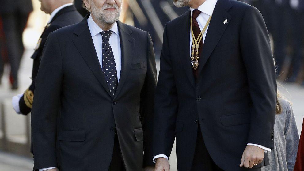 Rajoy dice sentirse muy bien al llegar a Marivent tras el ataque de lumbago