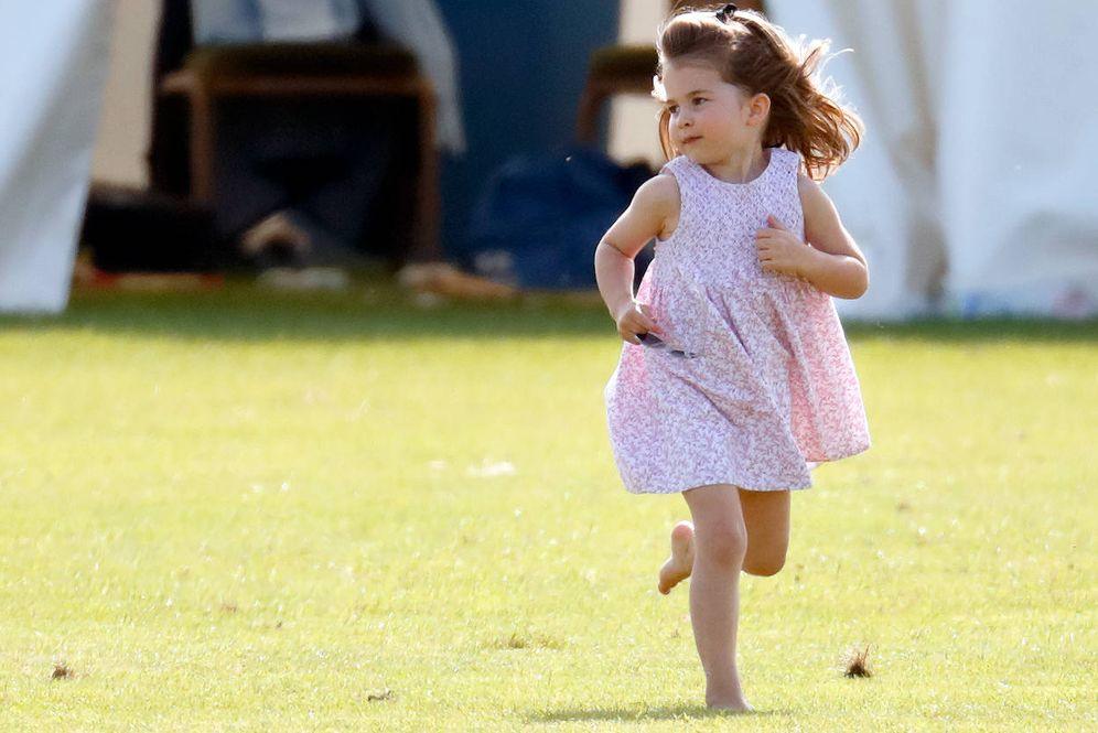 Foto: La princesa Charlotte, jugando en el polo. (Getty)