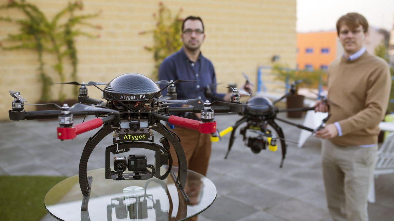 Foto: El funcionamiento de los drones fue regulado deprisa y corriendo, pero el crecimiento de la industria y su uso recreativo exigen una actualización de la ley. Foto: EFE/Carlos Díaz.