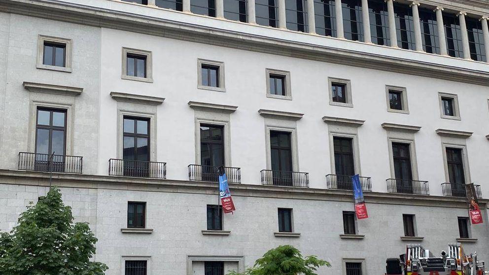Un incendio en el Teatro Real desata las alarmas en pleno centro de Madrid