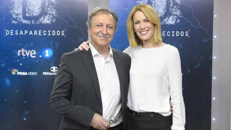Silvia, junto a Paco Lobatón. (TVE)