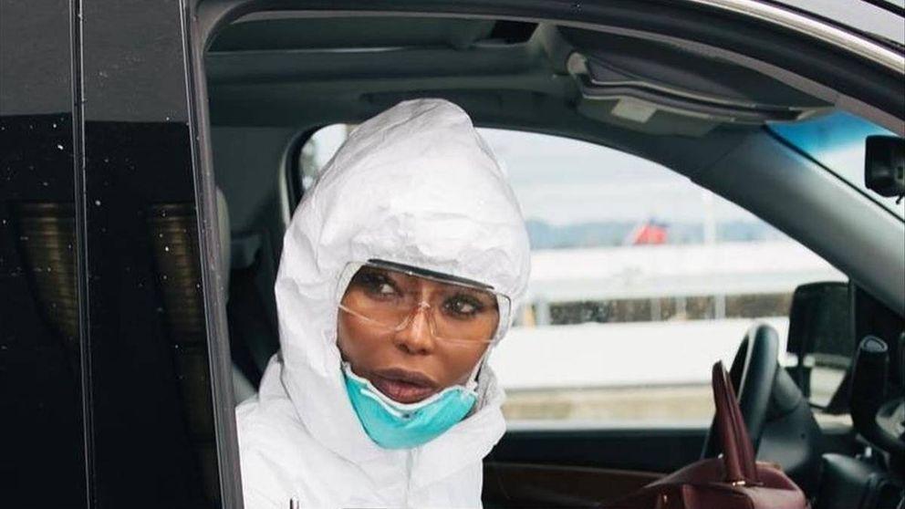 El look con el que Naomi Campbell lucha contra el coronavirus