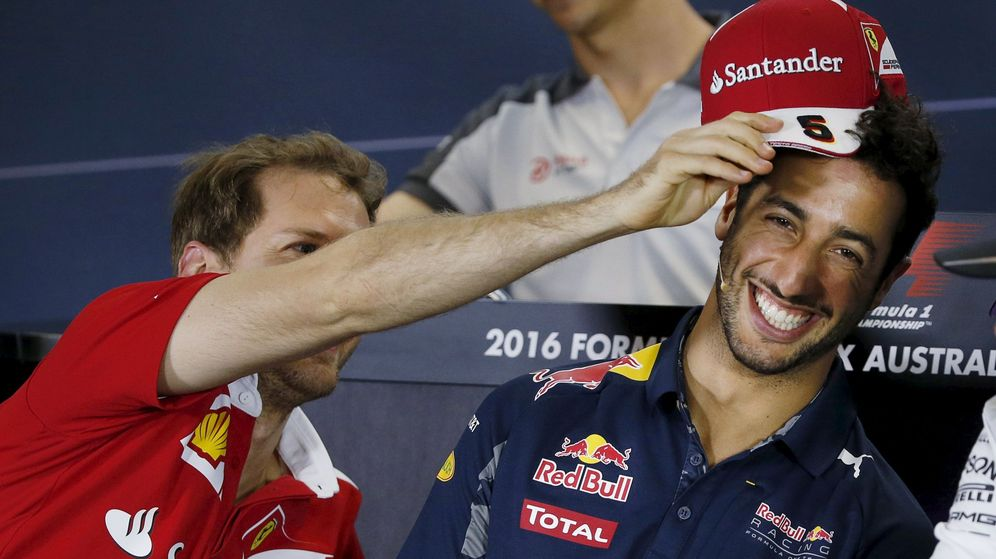 Foto: Vettel bromeando con Ricciardo. (EFE)
