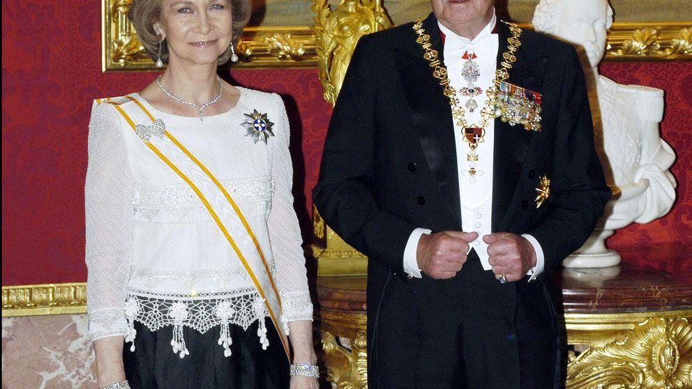 Los Reyes eméritos y sus horas contadas en el cumple del rey de Suecia