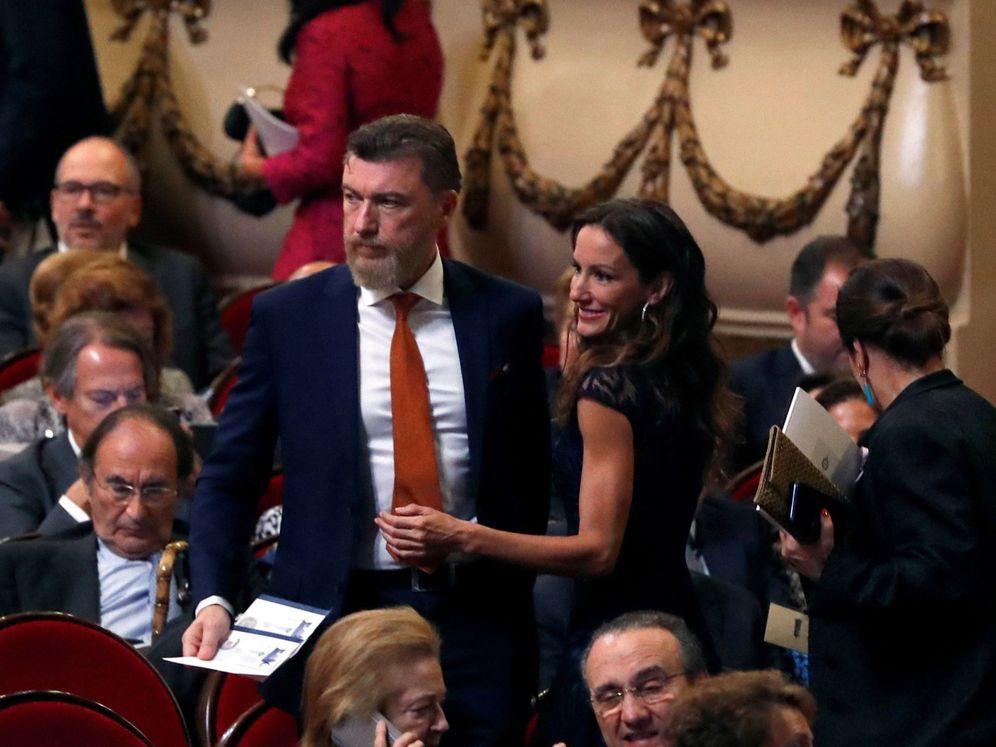 Foto: La pareja en el teatro Campoamor.(EFE)