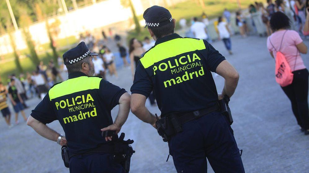 Foto: Dos agentes de la Policía Municipal de Madrid. (EFE)