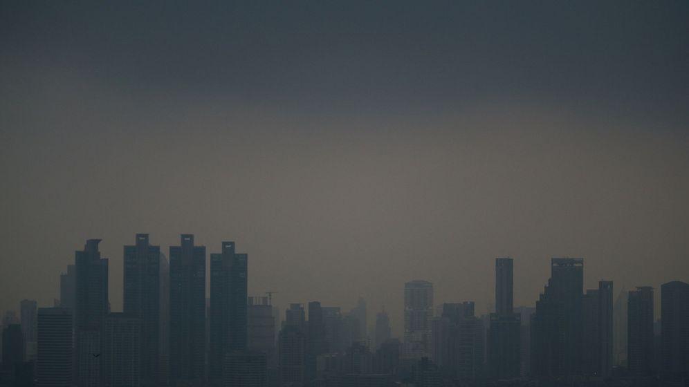 Foto: Vista general de Bangkok cubierta por la contaminación, el 15 de enero de 2019. (Reuters)