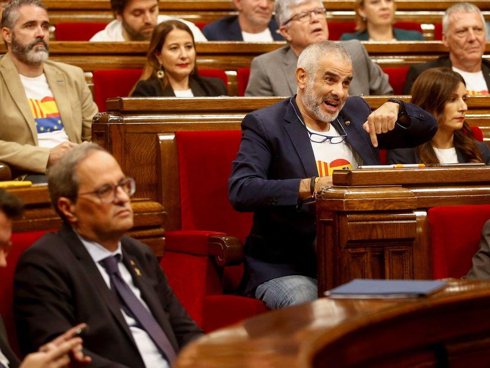 Foto: El presidente Torra (d) en el Parlament, frente a la bancada de Ciudadanos. (EFE)