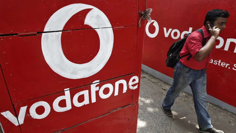 Demandan a Vodafone por cobrar el desbloqueo de móviles