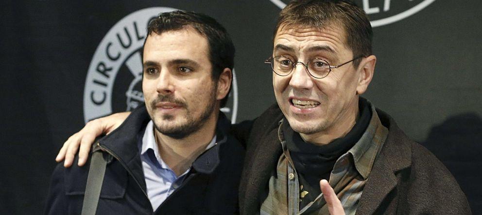 Foto: El diputado de IU Alberto Garzón junto al dirigente de Podemos, Juan Carlos Monedero, el pasado mes de noviembre. (EFE)