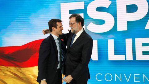 Rajoy llama al PP a no asustarse de nada y advierte contra doctrinarios y sectarios