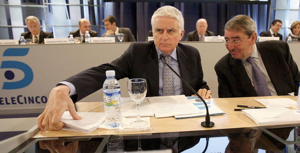 Paolo Vasile (i) y Alejandro Echevarría, consejero delegado y presidente de Mediaset España. (EFE)