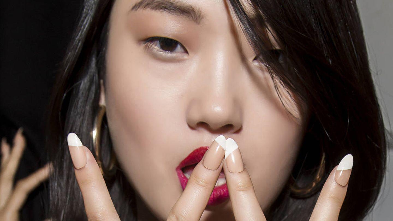 La manicura japonesa no añade color, solo trata. (Imaxtree)
