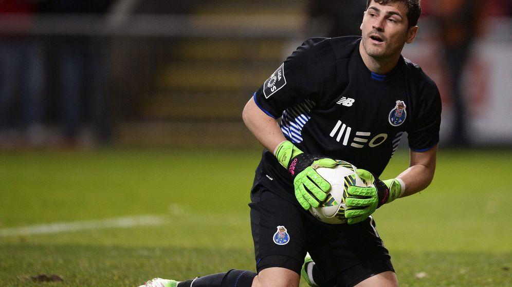 Foto: Casillas cometió un error grave (efe/epa/hugo delgado).