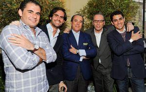El hijo de José María García se presenta en sociedad con una exclusiva fiesta en su casa