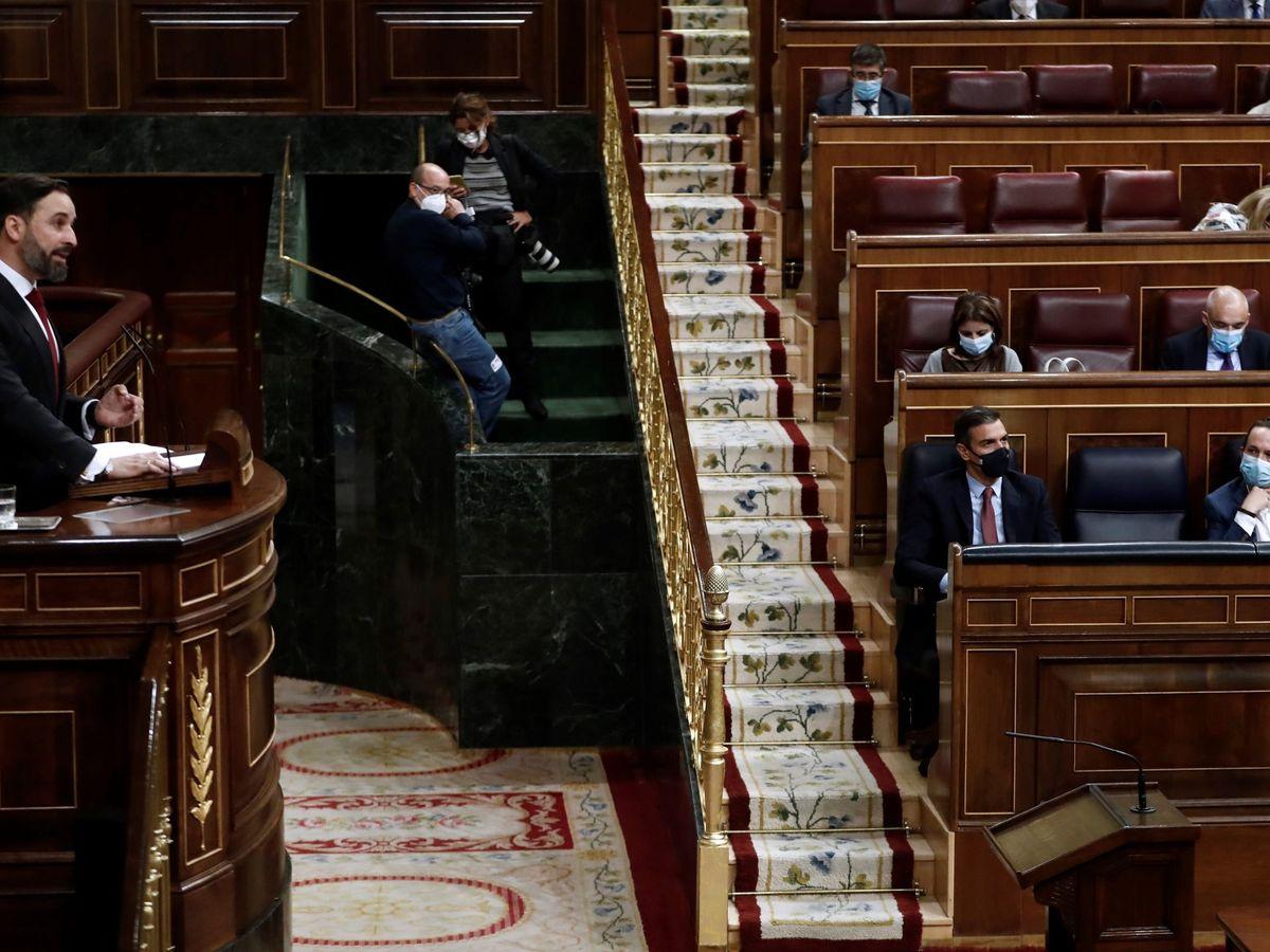 Foto: El líder de Vox, Santiago Abascal, durante su intervención en la moción de censura. (EFE)