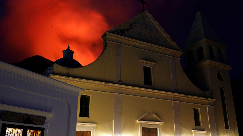 Foto: Vista del humo por la erupción del Estrómboli el pasado 30 de agosto. (Reuters)