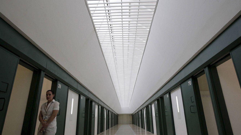 Interior debe 13 millones a los hospitales madrileños por atender a sus presos