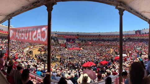 Sánchez llena la plaza de Mérida y recuerda que la Constitución es la patria de todos