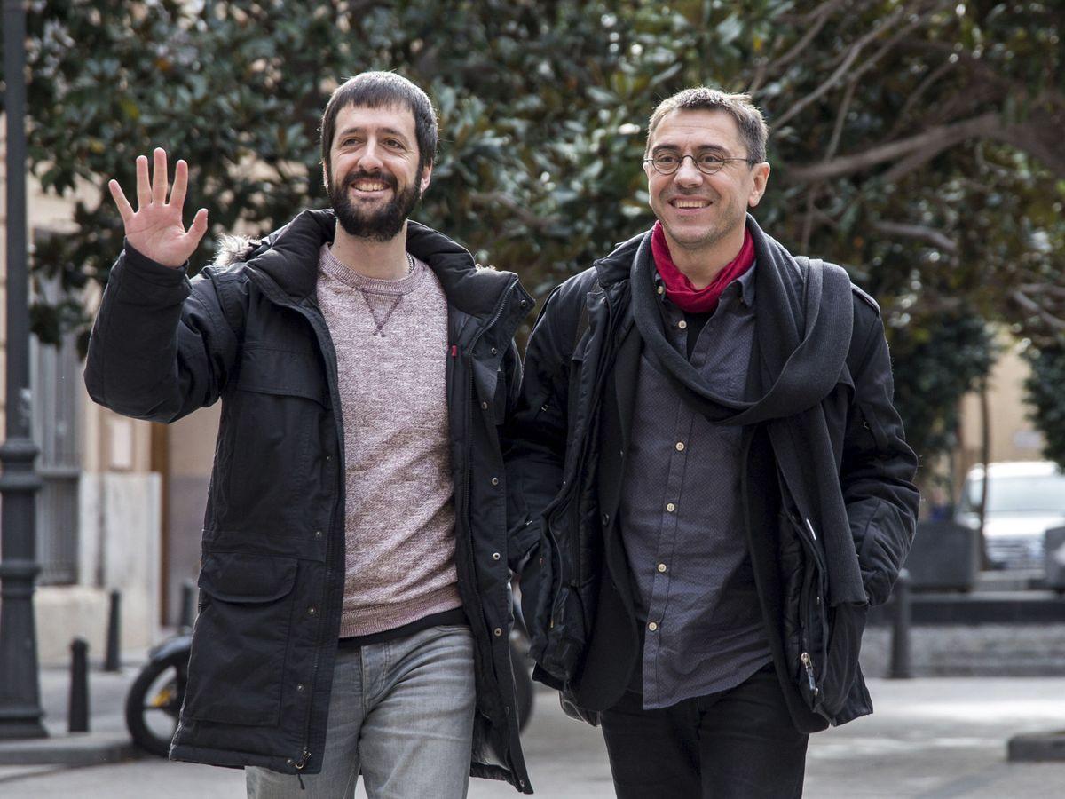 Foto: El fundador de Podemos Juan Carlos Monedero junto al secretariod de Comunicación Juan Manuel del Olmo en una imagen de archivo. (EFE)