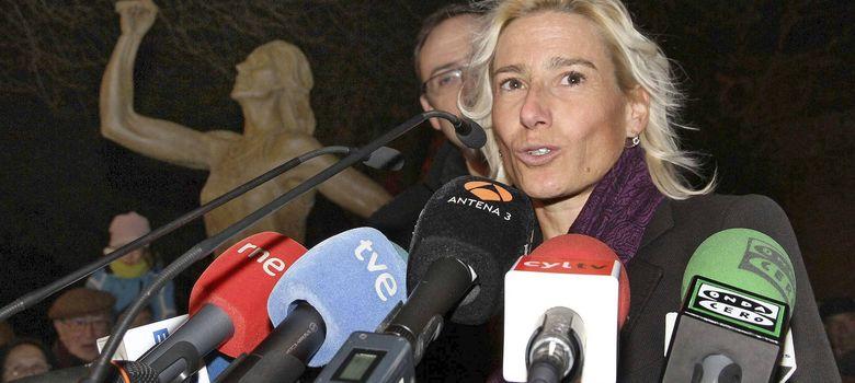 Foto: Marta Domínguez, durante la inauguración en Palencia de una estatua en su honor, en 2012.