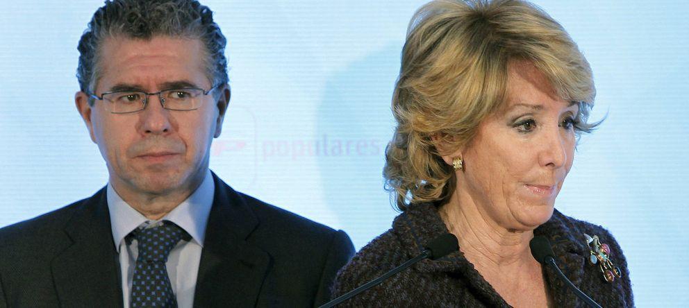 Foto: Fotografía de archivo de Francisco Granados y la presidenta del PP de Madrid, Esperanza Aguirre. (EFE)