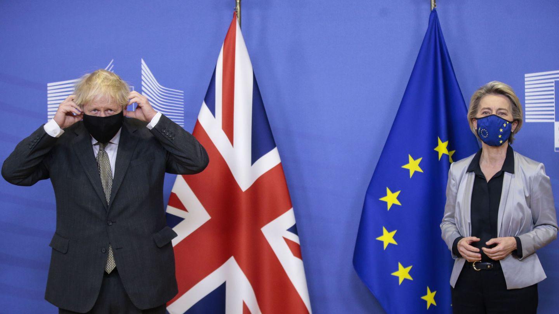 Von der Leyen junto al primer ministro británico. (EFE)
