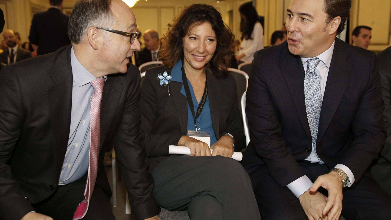 Luis Gallego, Cristina Álvarez y Dimas Gimeno. (EFE)