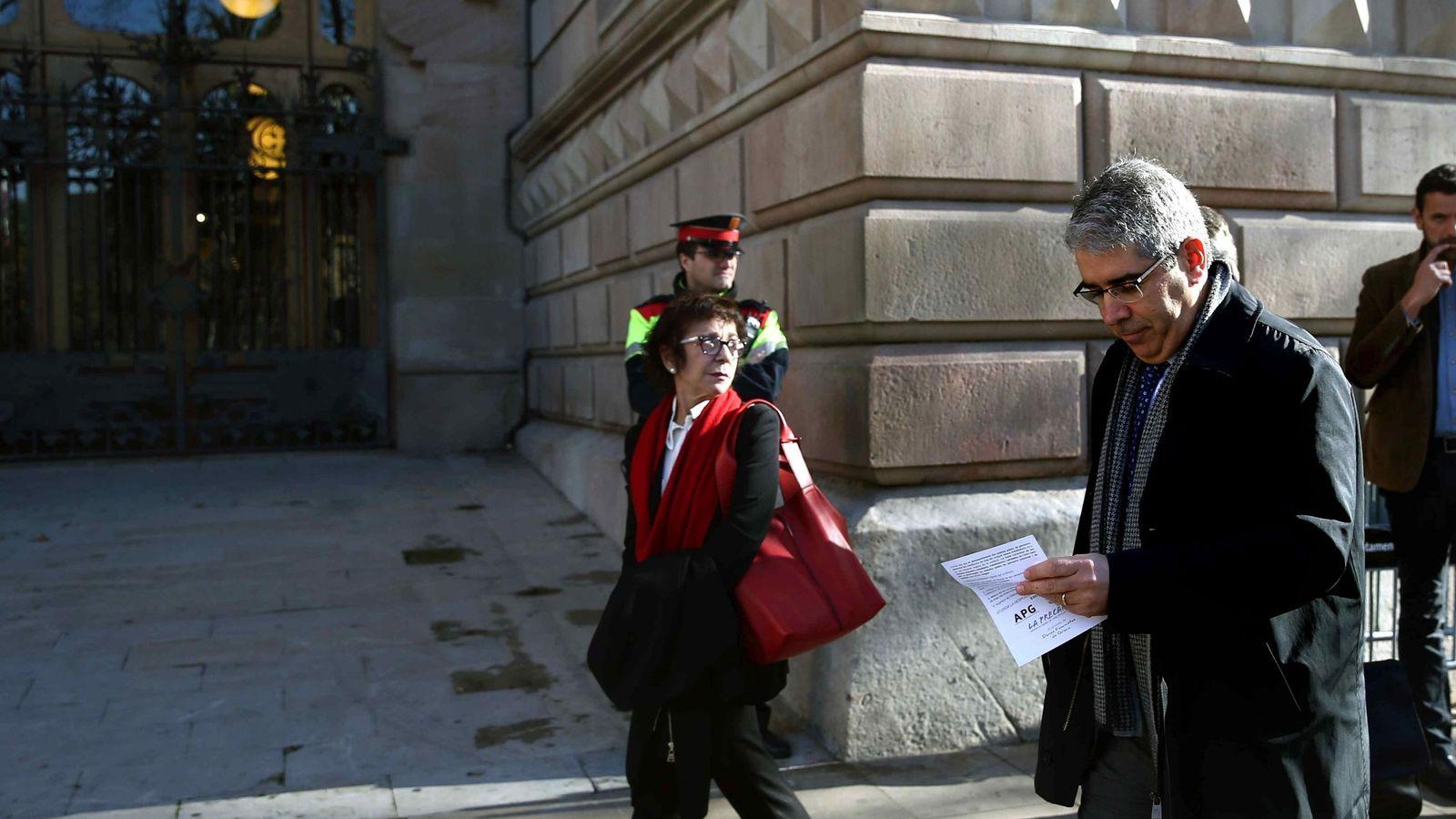 Foto: El 'exconseller' de la Presidencia Francesc Homs, llegando a la sede del TSJC. (EFE)