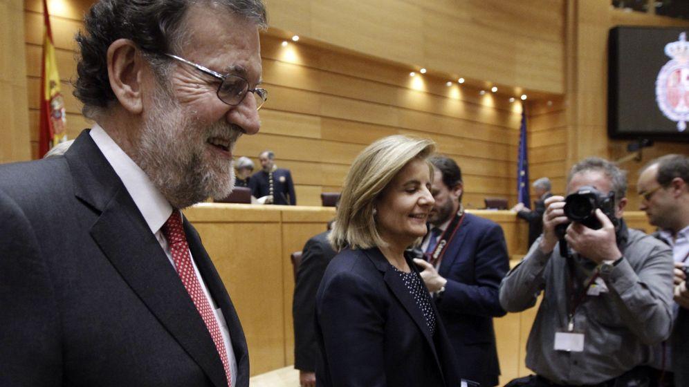 Foto: El presidente del Gobierno, Mariano Rajoy, y la ministra de Empleo, Fátima Báñez. (EFE)