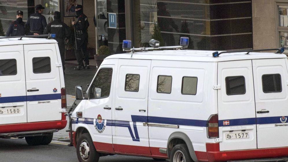 Foto: Despliegue policial de la Ertzaintza - Archivo. (EFE)