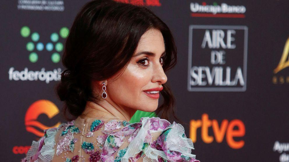 Penélope Cruz, reina de la alfombra roja de los Goya: arriesgando y sin Chanel