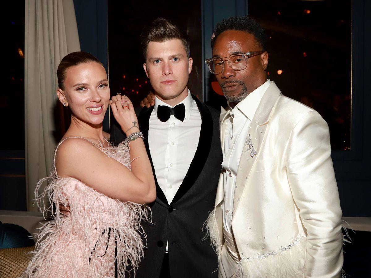 Foto: Colin Jost y Scarlett Johansson, en la afterparty de Netflix 2020. (Getty)