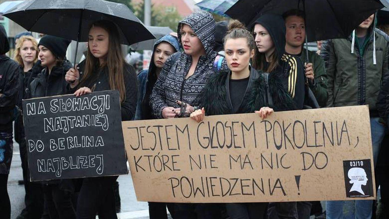 """""""Eslovaquia es más barato. Berlín está más cerca"""". (Tomasz Ho?od/Gazeta Krakowska)"""