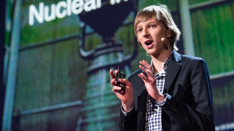 Foto: El físico nuclear Taylor Wilson, durante una conferencia